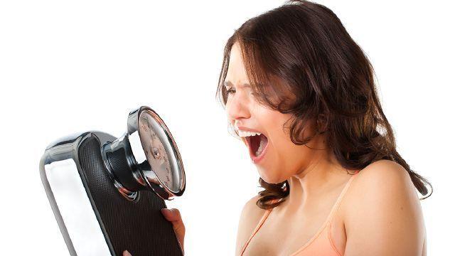 TBCおいしいフルーツ青汁ダイエットの口コミを暴露!効果が噂のエステサロン発のダイエット青汁が凄い!
